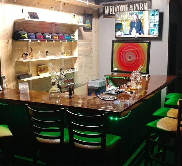 Green Gold Lounge - Santee, CAGreen Gold Lounge - Santee, CA