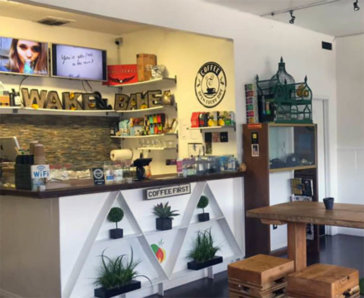 Wake and Bake Cafe in Los Angeles
